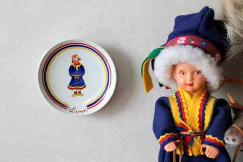 Arabia LAPPI Finnish National Costumes plate