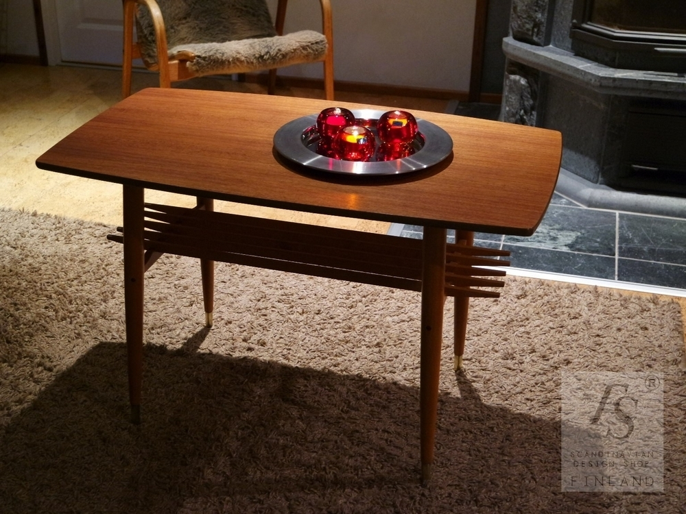 Mid century modern style coffee table for Modern chic coffee tables