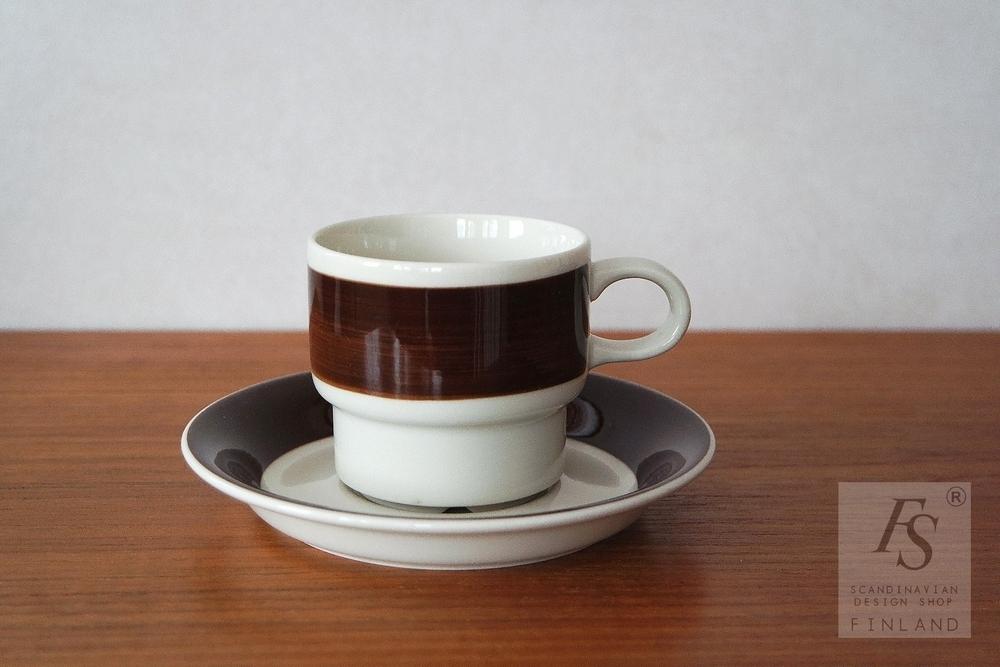 Arabia INARI kahvikuppi ja asetti, Göran Bäck - FourSeasons.fi