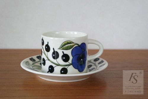 Arabia PARATIISI coffee cup and saucer