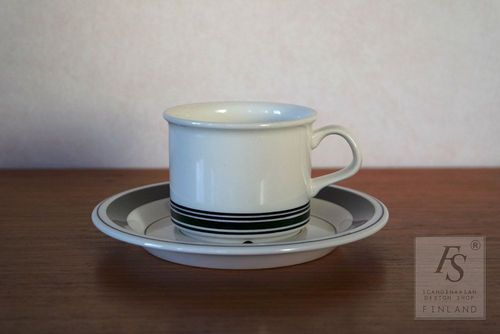 Arabia FAENZA coffee cup and saucer, Peter Winquist