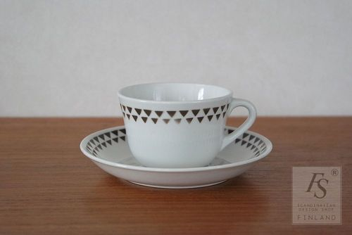Arabia KIILA coffee cup and saucer
