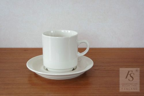 Arabia KESTI coffee cup and saucer, Göran Bäck