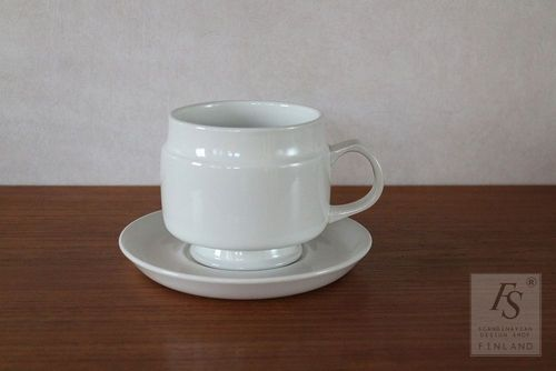 Arabia big teacup and saucer, model XK5