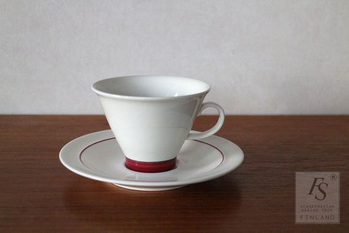 Arabia Harlekin RED HAT coffee cup and saucer