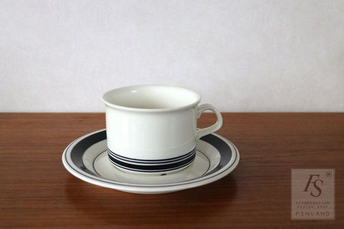 Arabia FAENZA teacup and saucer