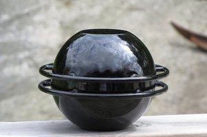 SATURNUS, cast iron / enamel pot, designed by Timo Sarpaneva for Rosenlew\\n\\n29.9.2013 21.04