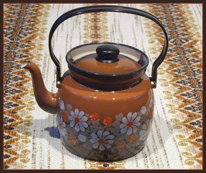 Finel APILA (Clover) enamel coffee pot.\\n\\n11.7.2013 19.34